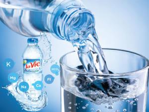 In tem nhãn nước đóng chai tinh khiết